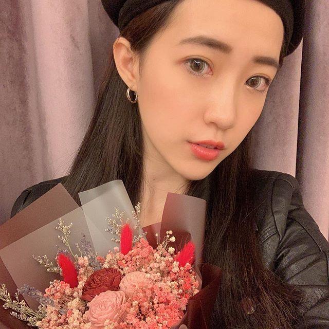 畢業花束乾燥花,台北畢業花束推薦網美紅色滿天星花束